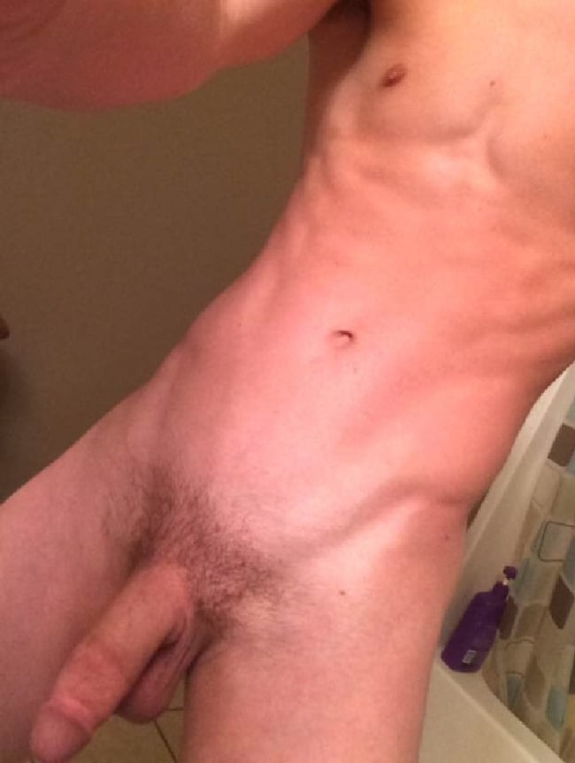 Hung Nude Guy